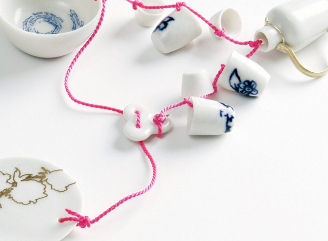 Souvenir Delft B-Set Pink thread bracelet, detail