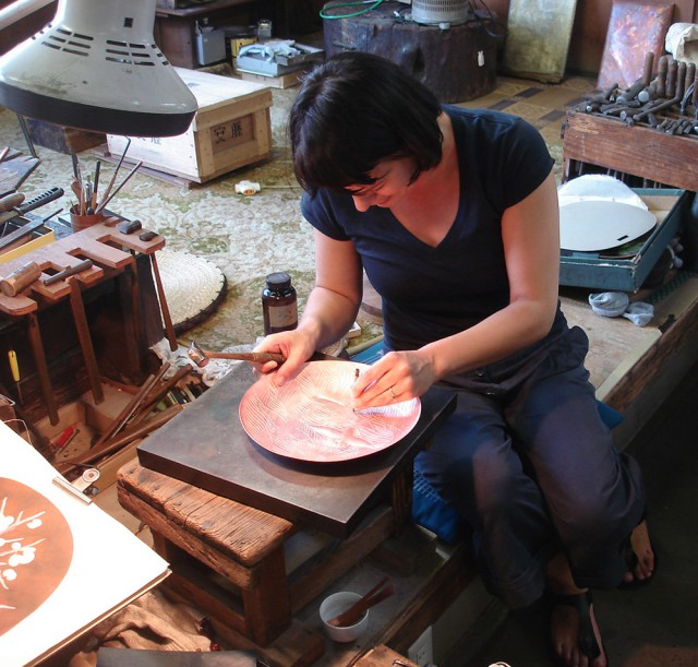 Shippo Plates Working on the design in the enamel factory