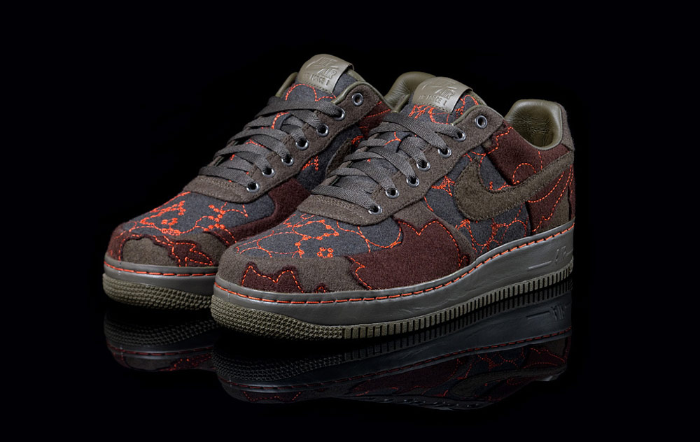 buy online b1d79 8d19a Layers on Nike pair