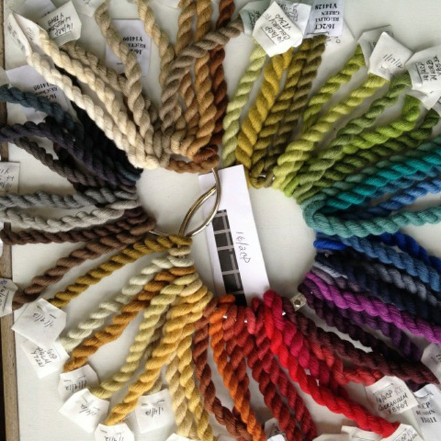 Colors of the yarns