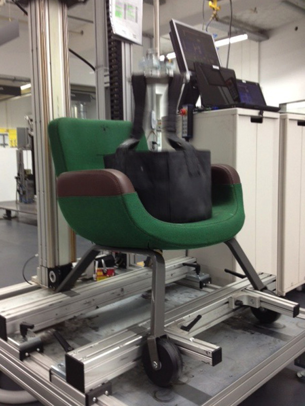 Testing the UN Lounge Chair