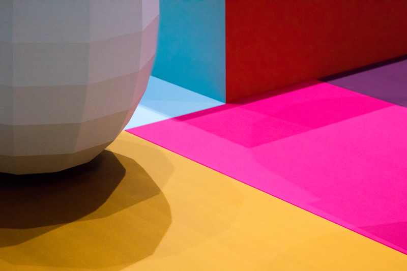 Breathing Colour – Detail of the NOON section. A Colour Catcher reflecting colours and casting shadows.