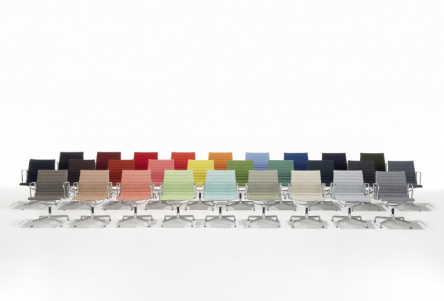 Entire colour palette of Hopsak fabric on the Eames Alu Chairs